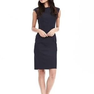 BANANA REPUBLIC Crew Neck Sheath Dress Denim Sz 6